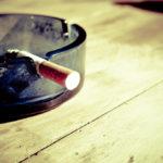 パチンコ業界に激震、小池百合子都知事が全面禁煙条例を発表。分煙も認めず。