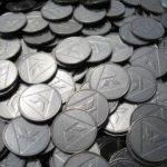 コイン流した時に776枚とか999枚の時店員が1~2枚入れてくれるんだが…